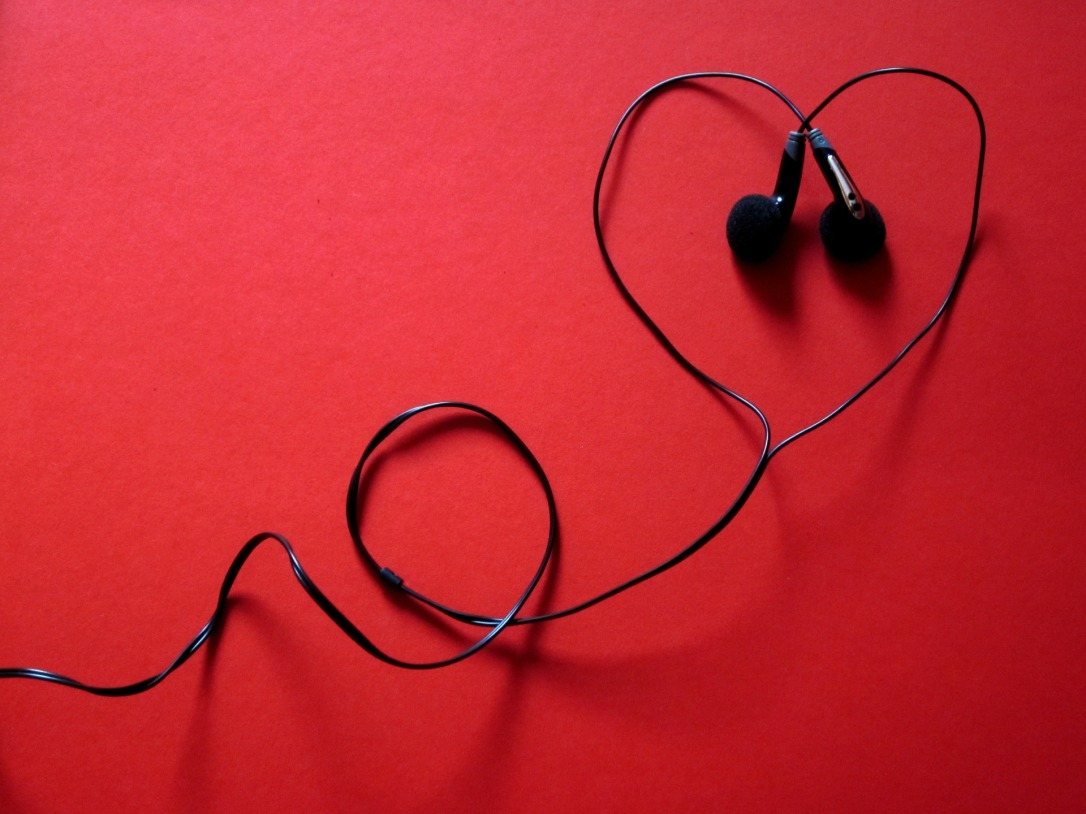 headphones-424163_1920